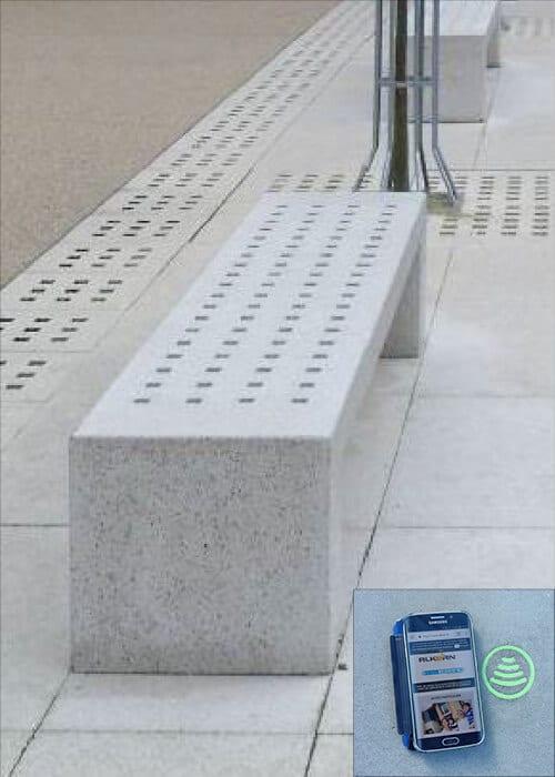 Le banc en béton connecté.